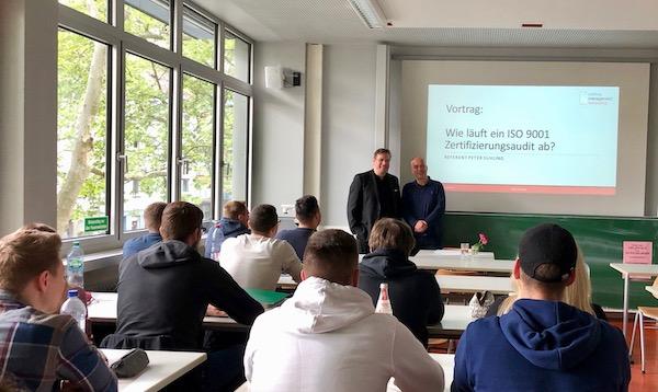 Vortrag: Wie läuft ein ISO 9001-Zertifizierungsaudit ab an der Berufsschule in Karlsruhe